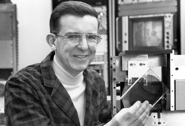 CD Player Inventor james t russell