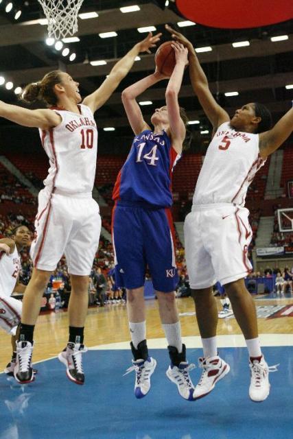 first woman basket ball